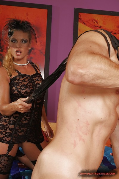 Sub blond enjoys kinky threesome with her mistress and hung lad