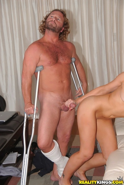 Dude with broken leg gets to fuck appealing shaved milf cunt