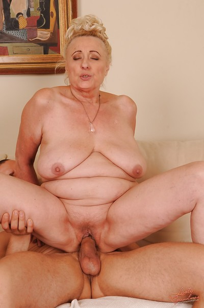 Slutty granny with smooth head cunt sucks and fucks a massive amateur cock