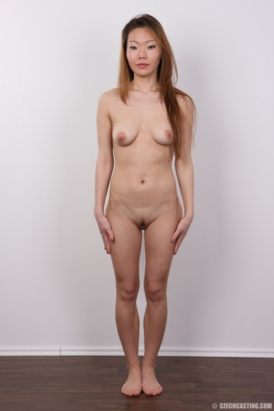 Japanese babe in casting session