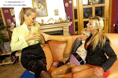 Glamour lesbos getting messy in catfight orgy