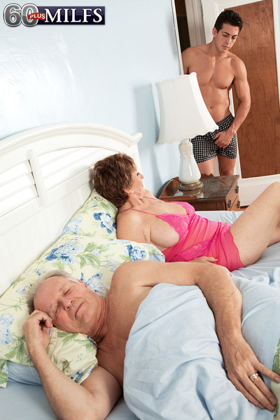 Its Beas Hubby A Cuckold! Or Was He In On This!