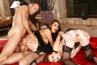 Fanatical foursome sex with anal loving sluts Dominica Phoenix and Linda Sweet