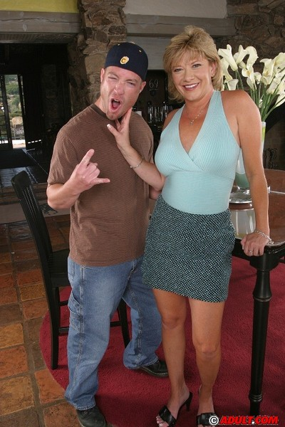 Slutty cougar gets jizzed over her face and major scones later on FMM threesome