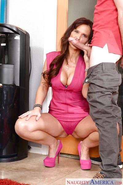 Naughty cougar Syren De Mer giving younger man