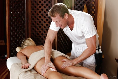 Marvelous blonde woman Scarlet Red thanks masseur with blowjob