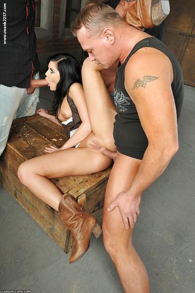 Smoking hot farm girl Madison Parker taking intense triple penetration