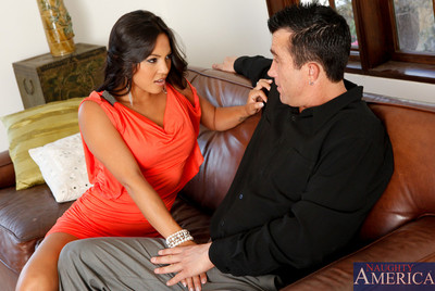 Appealing dark hair latin chico babe feels like to fuck before this chick leaves.