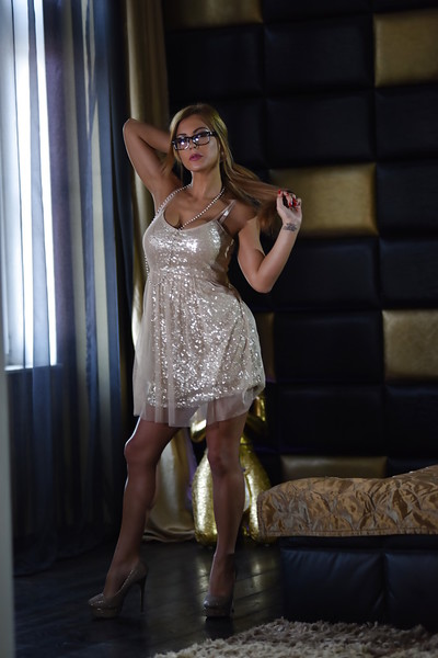 Big breasted pornstar Dorothy playing with large juggs with glasses on