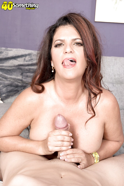 Over 40 MILF Valentina Rosario giving facefucking and handjob for spunk flow