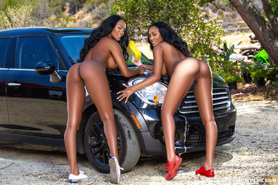 Brittany kelly and brandi kelly go wet and extreme at the car wash
