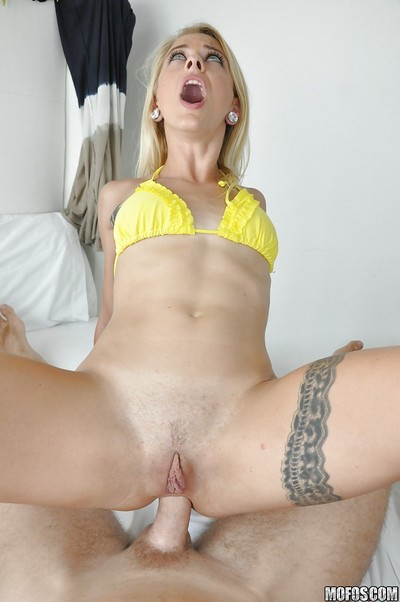 Cameron Canada gains her tight anal opening penetrated for the first time