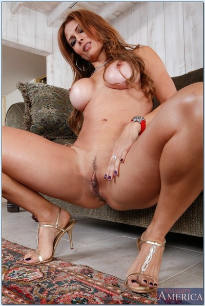 Cougar MILF with big tits Monique Fuentes show off her hot ass.
