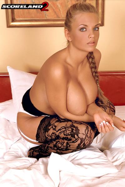порноактрисы с натуральной грудью 4 размера фото