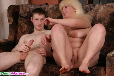 Hung fellow plows full blondes cum-hole from all angles