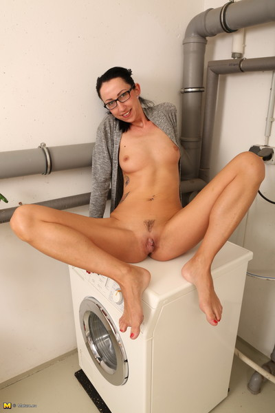 Naughty german housewife deed her laundry