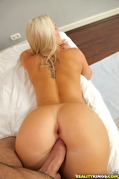Steaming hot blondie gets her booty jizzed after hard anal enjoy