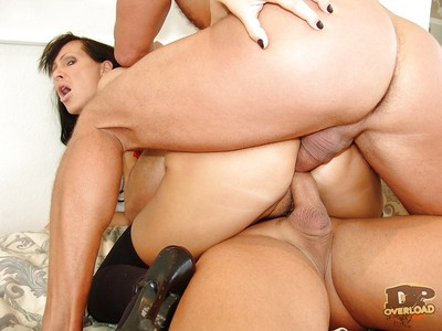 Perverted milf Mandy Bright fucking twofold handsome dick-holders at the same time