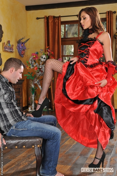 Ariana Marie dose footjob in her beautiful stockings to her stallion