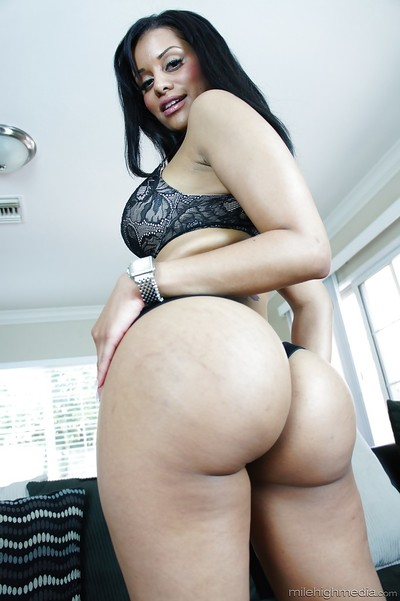 Alluring ebon babe Mary Jean flaunting enormous swarthy tits and phat ass