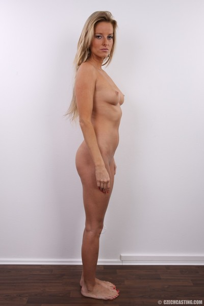 Hot blonde milf poses nude