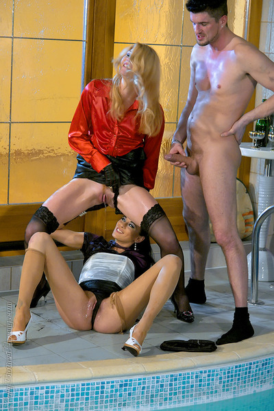 Kinky gal Eva Zappa is into CFNM pissing fun with her companions