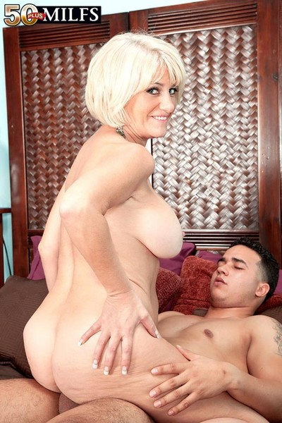 Lustful Fifty milf desire collins fucking younger cock