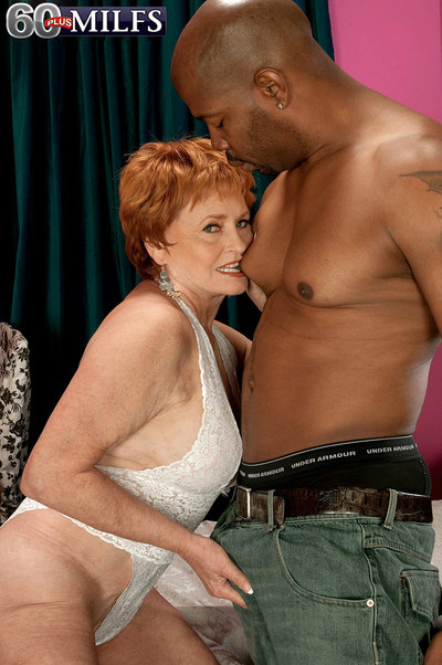 Valerie Gets What That babe Came For And Cums For What That babe Gets
