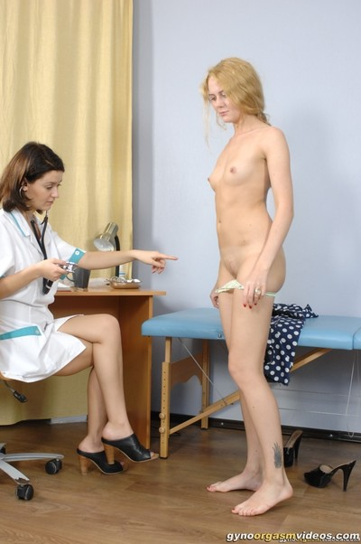 Sexy doctor set to bring a girl to an orgasm