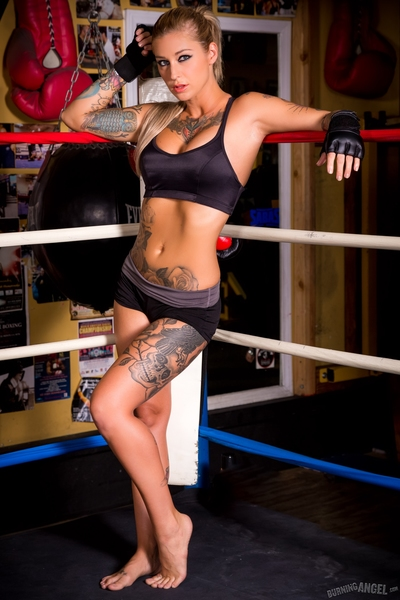 UFC fighter Ronda ArouseMe, portrayed by Kleio Valentien, got previously from a jog and her tutor discussed strategy from upcoming match with Miesha Taint, and told her to get previously in the ring again. They worked on Rondas tit bar, and figured out ho