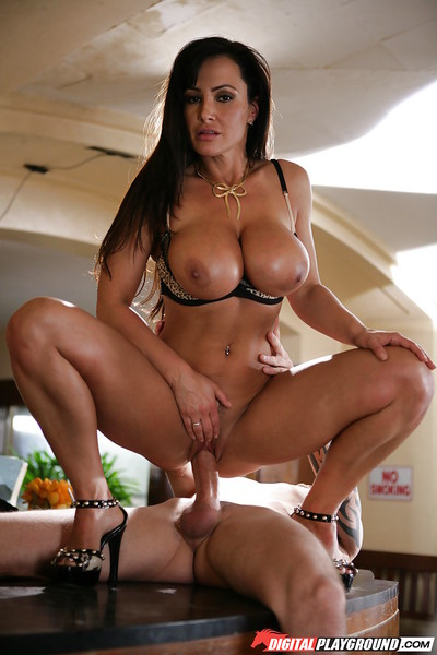 Milf Lisa Ann gives a gorgeous fellatio and rides on this rough dick
