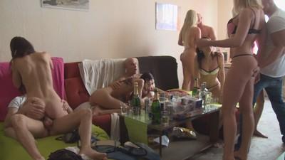 Amateur orgy porn pics