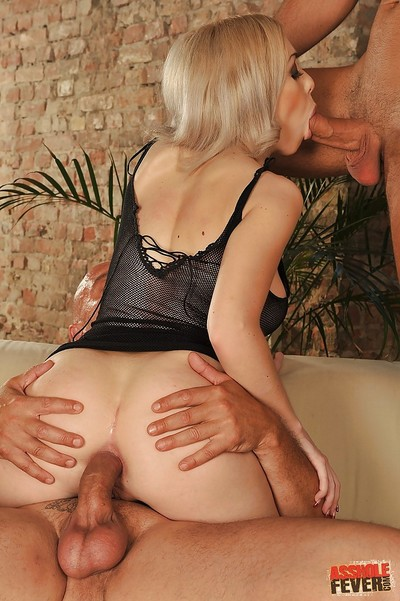 Titsy blonde Isabella Clark is fall in love with anal threesome with well-hung boys