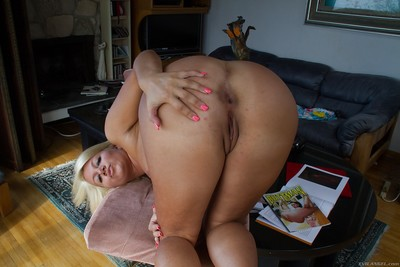Chunky blonde chick Layla Price pinching her nipples in close ups