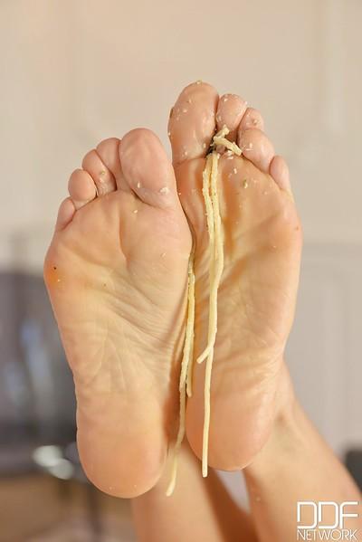 Leggy toe sucking lesbos Dominica Phoenix and Kristy Ebon