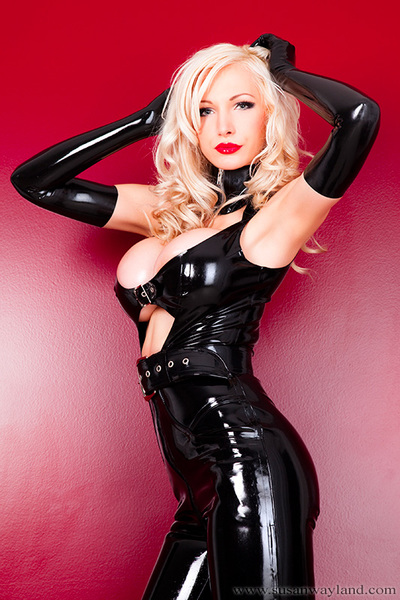Susan Wayland in Latex and Ballet Heels with 72 awesome latex pictures.