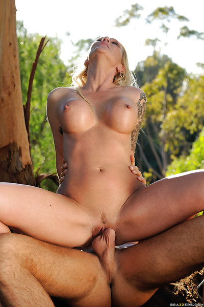 Horny housewife Alexis Malone attains attracted by younger man in the woods