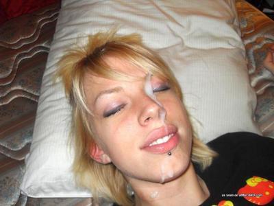 Horny hottie sucks on pals dick gets facialed