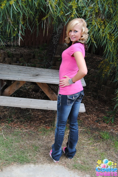 Teasing fairy-haired codie sweets pulls down her tight jeans