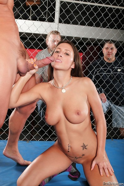 Busty vixen gets her bald snatch licked and nailed hardcore