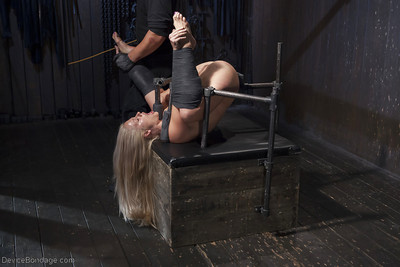 Hot blonde MILF Holly Heart engaging painful electroshock on gentiles and tits