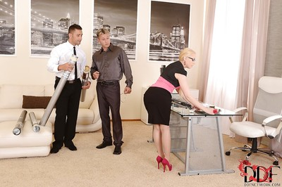 European office girl in glasses Lola Taylor fond of hard penetrations