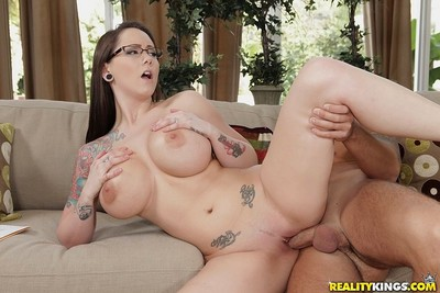 Very hot boss lass sucks enormous 10-Pounder and gets her massive tits sprayed with jism