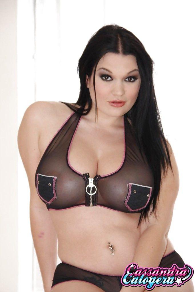 Curvy dear Cassandra Calogera amplifying Lalin girl pornstar vagina in boots