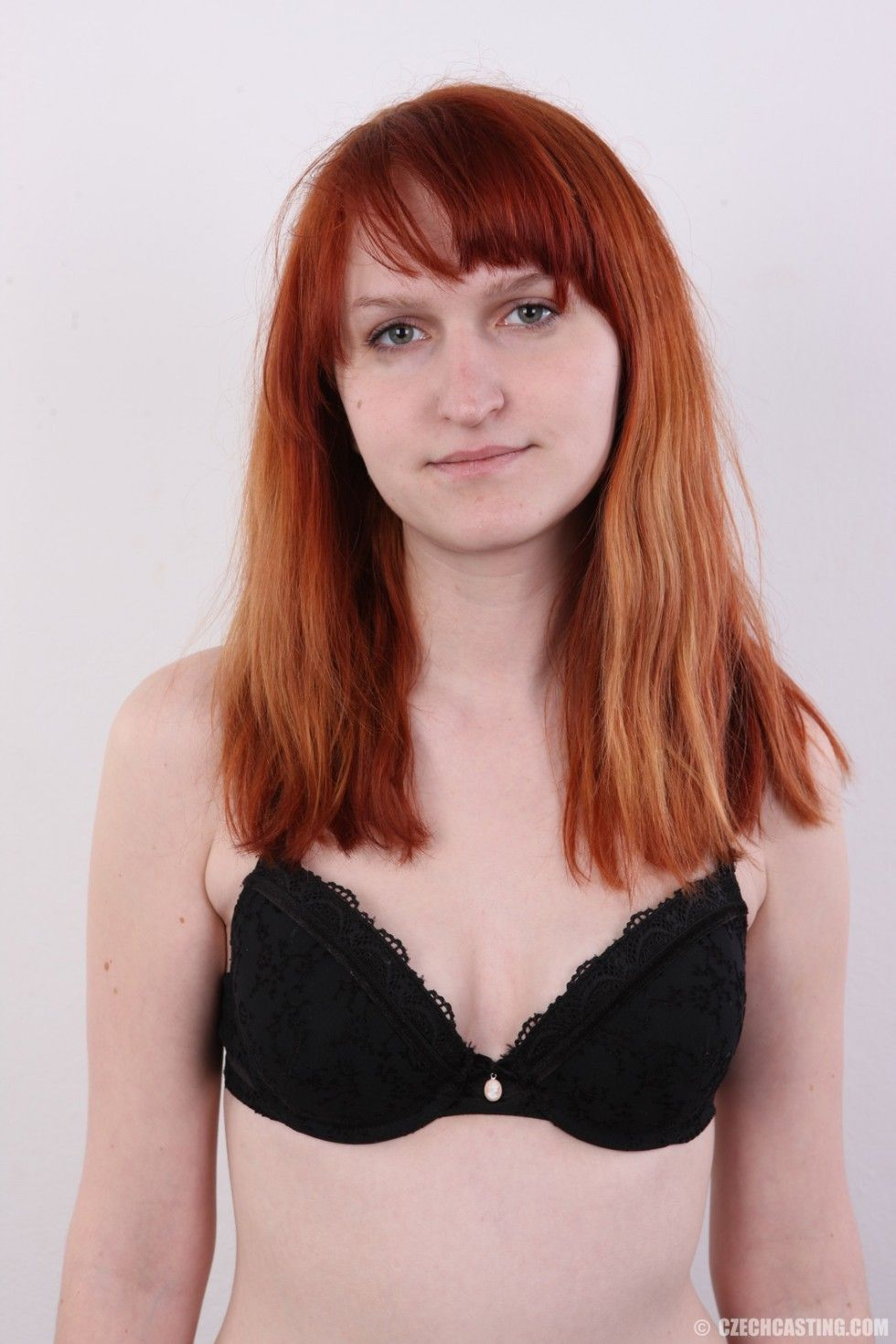 Teen redhead queen in casting pictures