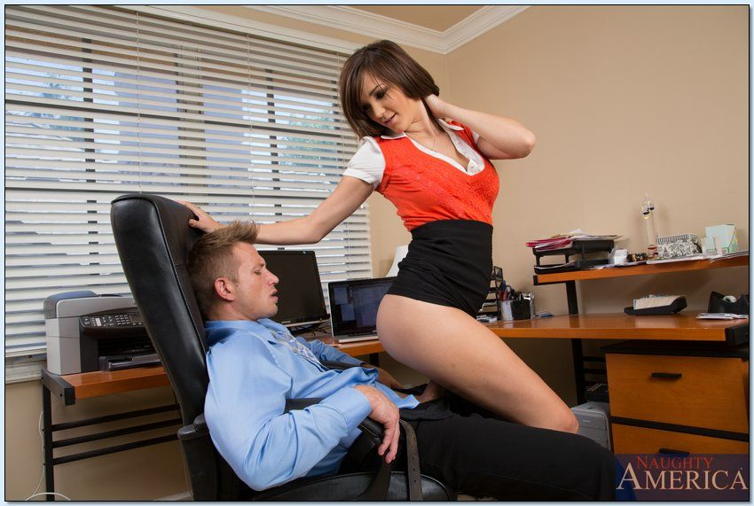 Dirty office pretty Holly Michaels purchases her smooth on dominant uterus nailed hardcore