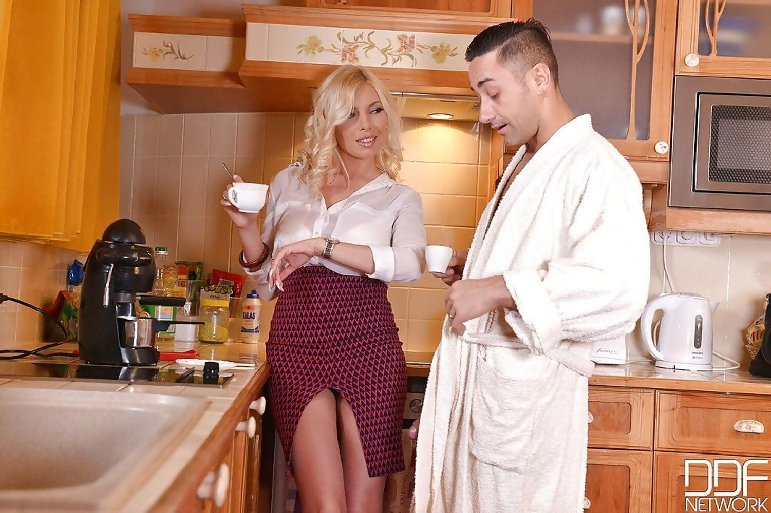 Busty fairy Dona Bell giving mammoth stick facefucking and handjob in kitchen