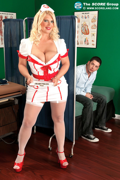 Hooter Hospital: Nurse Kelly On Call