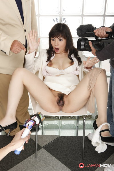 Mizuki Hayama has her legs spread wide and then fucks strangers.