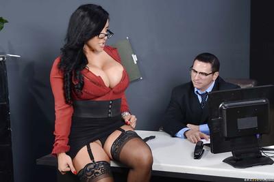 Buxom latina chicito MILF in stockings Kiara Mia gets shagged hardcore